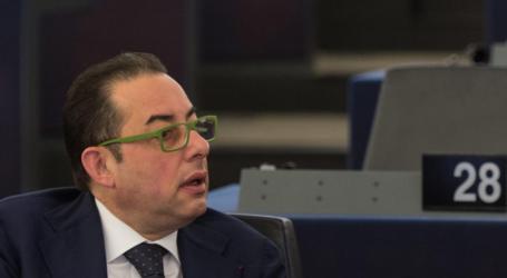 Πιτέλα: Οι ηγέτες της Ελλάδας και της ΠΓΔΜ να προσπαθήσουν για την εξεύρεση μόνιμης λύσης