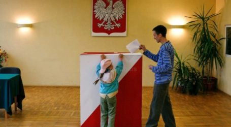 Στις κάλπες οι Πολωνοί – Φαβορί οι Συντηρητικοί