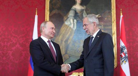 Πούτιν: Συνεργαζόμαστε πιο εύκολα με τους Τούρκους παρά με τους Ευρωπαίους