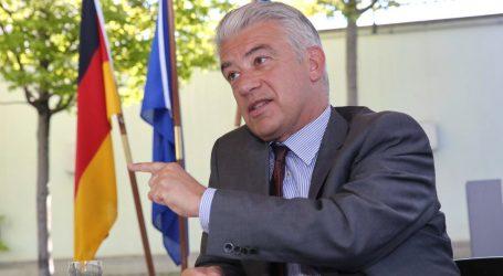 Ράιχελ: Σε πλήρη συμφωνία με την Ελλάδα για ένα νέο, πιο αλληλέγγυο σύστημα ασύλου στην ΕΕ