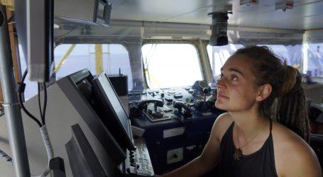 Η Καρόλα Ρακέτε καταθέτει μήνυση ενάντια στον Ματέο Σαλβίνι