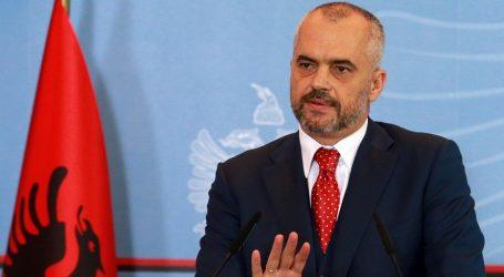 Αλβανία: Παραίτηση Ράμα και φυγή του από τη χώρα ζητά η αντιπολίτευση