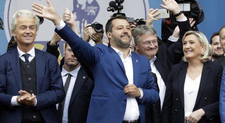 Απομακρύνεται από την ΕΕ ο Σαλβίνι – Μόνη επιλογή η προσέγγιση με τον Τραμπ