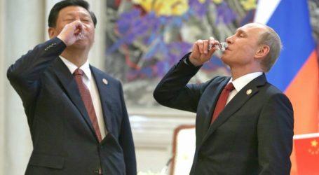 Ο Πούτιν δώρισε παγωτό στον Σι Τζινπίνγκ για τα 66α γενέθλιά του