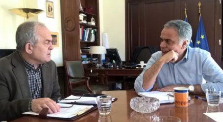 Συνάντηση Σκουρλέτη με τον δήμαρχο Καισαριανής