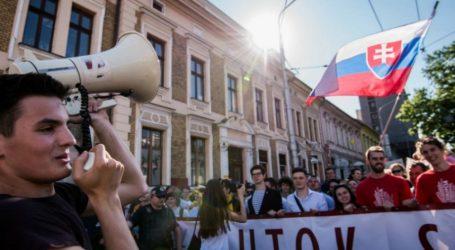 Ένα νέο κύμα διαφωνούντων στην ανατολική Ευρώπη αγωνίζεται κατά του λαϊκισμού