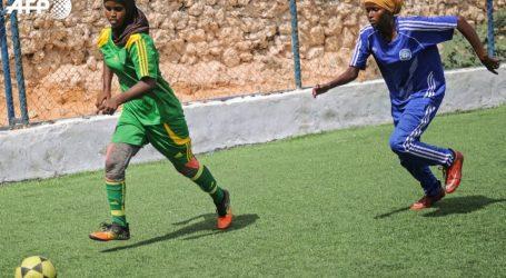 Σομαλία: Οι γυναίκες αψηφούν την παράδοση και παίζουν ποδόσφαιρο