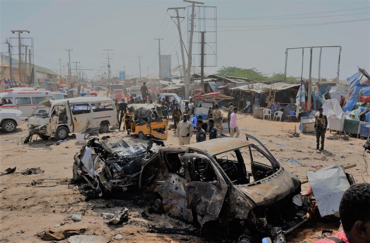 Σομαλία: Φονική έκρηξη παγιδευμένου με εκρηκτικά αυτοκινήτου στο Μογκαντίσου