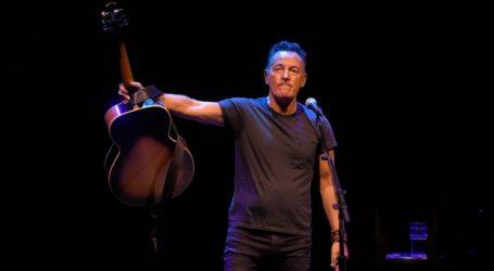 """Ο Σπρίνγκστιν θα τιμηθεί με Tony για το """"Springsteen on Broadway"""""""