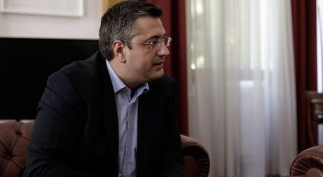 """Τζιτζικώστας: Συγγνώμη για την «ατυχέστατη και τελείως λάθος"""" αναφορά προς τις εργαζόμενες της Περιφέρειας Κεντρικής Μακεδονίας»"""