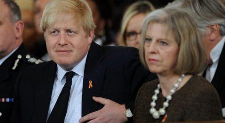 """Βρετανία: """"Πλήρες Brexit"""" απαιτεί ο Τζόνσον από την Μέι"""