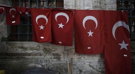 Η Τουρκία καταδίκασε την απόφαση Μακρόννα ανακηρύξει την 24η Απριλίου ημέρα μνήμης για την γενοκτονία των Αρμενίων