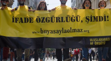 Η Διεθνής Αμνηστία ζητά την απελευθέρωση του εκπροσώπου της στην Τουρκία