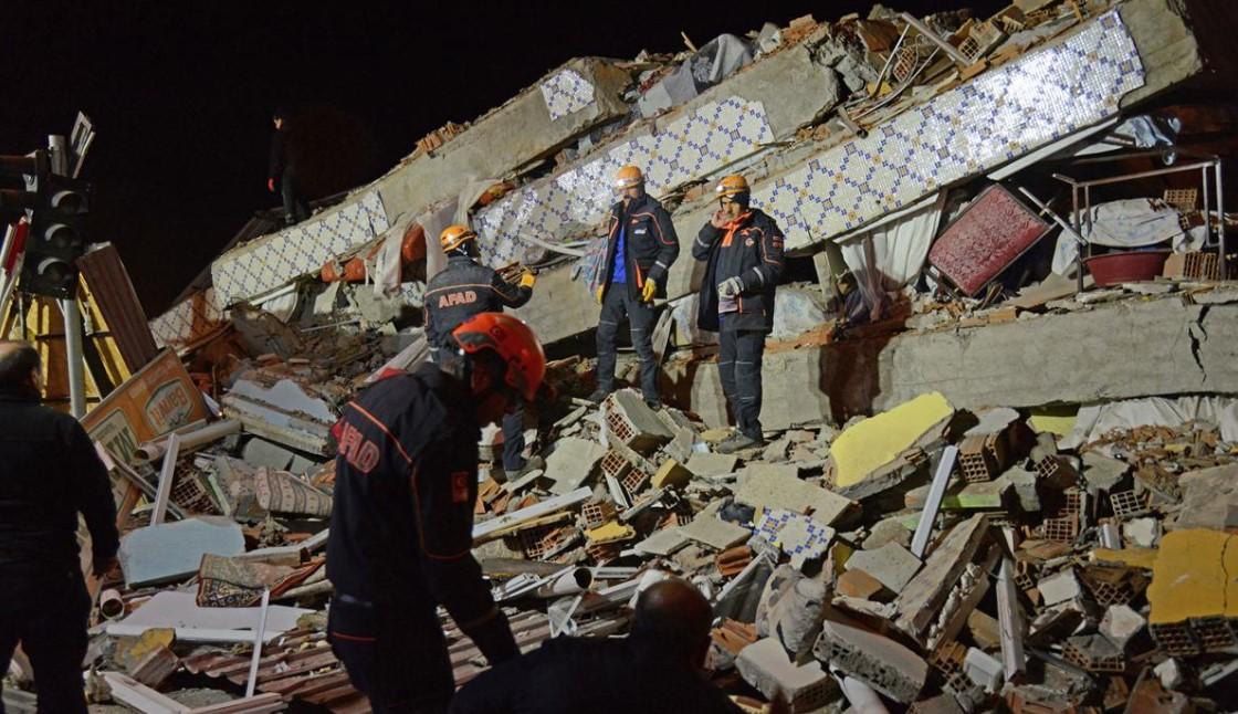 Τουρκία | Στους 41 οι νεκροί από τον ισχυρό σεισμό – Τερματίζονται οι επιχειρήσεις διάσωσης