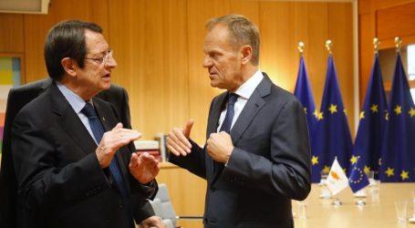 Τουσκ: Πλήρης αλληλεγγύη στην Κύπρο από την ΕΕ