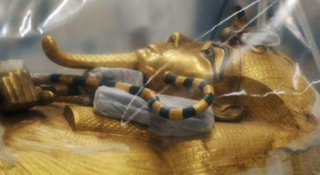 Αίγυπτος: Παρουσιάσθηκε η υπό αποκατάσταση σαρκοφάγος του Τουταγχαμών