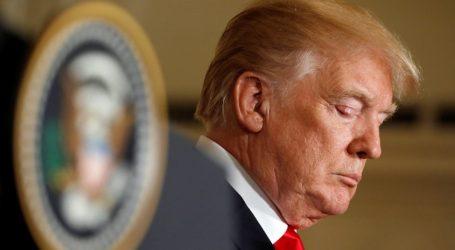 NYT: Η κυβέρνηση Τραμπ σκέφτεται να παρατείνει την κράτηση των μεταναστών