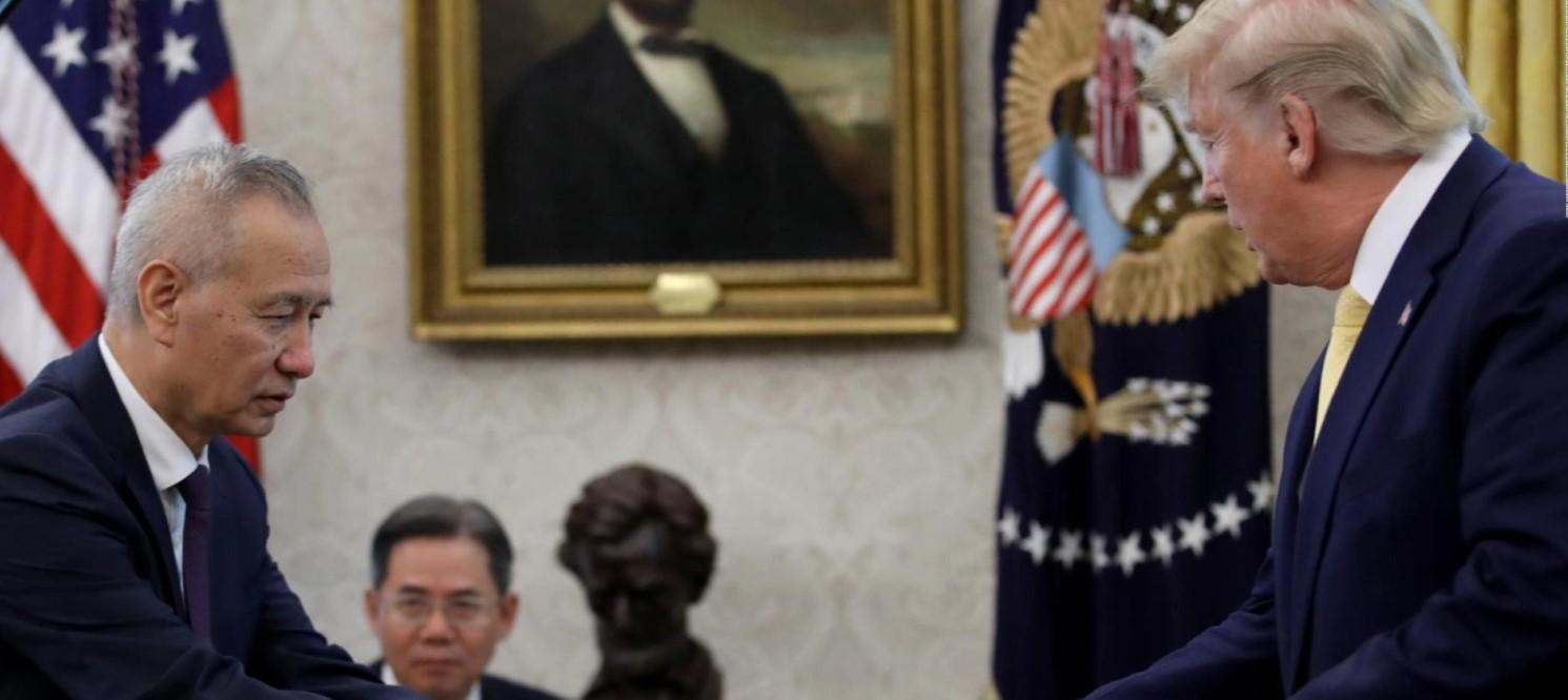 Υπεγράφη η «Φάση 1» της εμπορικής συμφωνίας ΗΠΑ – Κίνας