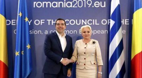 Στο Βουκουρέστι ο Τσίπρας: Η Ελλάδα ανακτά το σημαντικό ρόλο που πάντοτε είχε στα Βαλκάνια (vid)