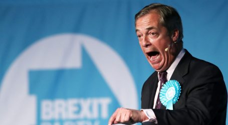 """""""Σαρώνει"""" ο Φάρατζ στη Βρετανία"""