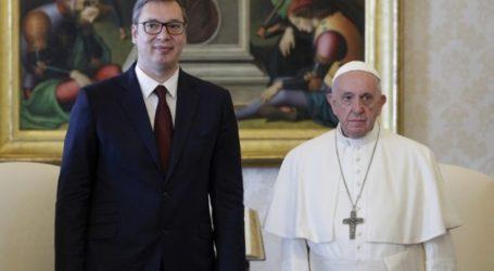 Το Βατικανό δεν θα αναγνωρίσει το Κόσοβο, διαβεβαίωσε ο Πάπας Φραγκίσκος τον Βούτσιτς
