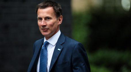 Ο Χαντ απαντά στις επιθέσεις Τραμπ και στηρίζει τον Βρετανό πρέσβη