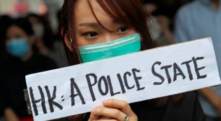 Χονγκ Κονγκ: Καθιστική διαμαρτυρία ηλικιωμένων και συγκέντρωση διαδηλωτών με μάσκες