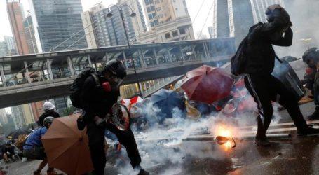 Χονγκ Κονγκ: Η αστυνομία κάνει χρήση αντλιών νερού και πυροβολεί