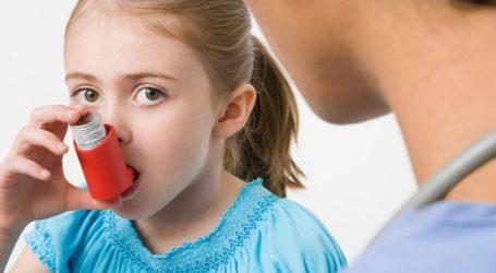 Μία στις τρεις νέες περιπτώσεις παιδικού άσθματος αποδίδεται στη ρύπανση του αέρα