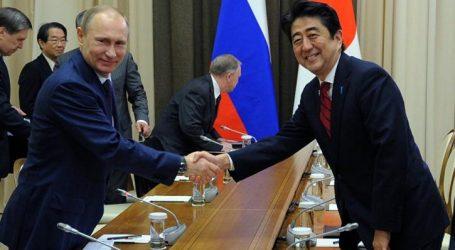 Άμπε: Οι συνομιλίες με τον Πούτιν κινούνται προς τη σύναψη συμφωνίας ειρήνης