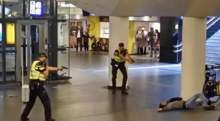 """""""Τρομοκρατική"""" η επίθεση στον κεντρικό σιδηροδρομικό σταθμό του Άμστερνταμ"""