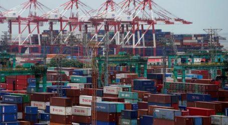 Eνεργοποιήθηκαν οι πρόσθετοι αμερικανικοί δασμοί κατά της Κίνας – Αντίποινα προαναγγέλλει το Πεκίνο