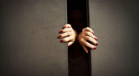 Ιταλία: Γυναίκα που εγκλωβίστηκε για 27 ώρες σε ασανσέρ «σώθηκε» από κρασί