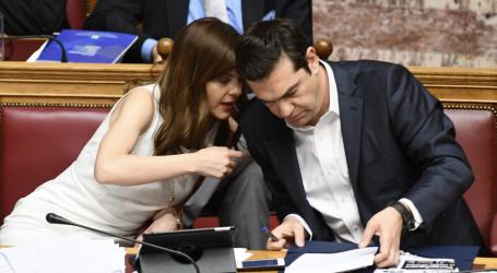 -Πρόεδρε, εάν προτείνω τον Ιβάν Σαββίδη για διοικητή του ΕΦΚΑ λες να έχουμε ιστορίες;