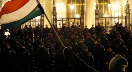 Βουδαπέστη: Τρίτη νύχτα σφοδρών διαδηλώσεων εναντίον του Όρμπαν