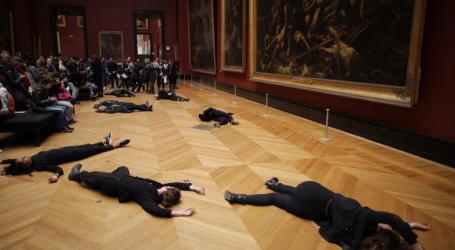 Γαλλία: Ακτιβιστές διαμαρτύρονται για την χορηγία της Total στο μουσείο του Λούβρου