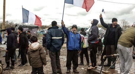 """Η Γαλλία θα υποδεχθεί """"περίπου 80"""" πρόσφυγες του Aquarius και άλλους 52 του Lifeline"""