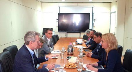 Συνεργασία της Ρένας Δούρου με τον Αμερικανό πρεσβευτή