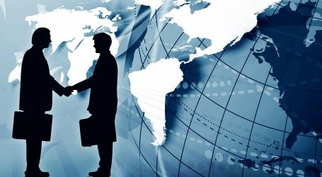 ΗΠΑ: Στο υψηλότερο επίπεδο της 10ετίας το εμπορικό έλλειμμα