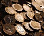 Πτώση κατέγραψε το ευρώ και οι αποδόσεις των ομολόγων της ευρωζώνης