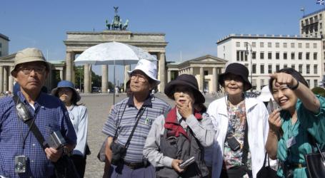 Συνολικά 115 δισ. δολ. ξόδεψαν πέρυσι οι Κινέζοι τουρίστες