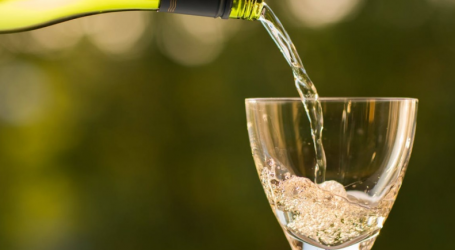 Ένατη η Ελλάδα στην παραγωγή κρασιού