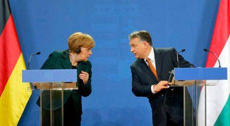 Δημόσια διαφωνία Μέρκελ και Ορμπάν για το Μεταναστευτικό