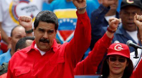 Ο Μαδούρο διακόπτει τις διπλωματικές σχέσεις με την Κολομβία