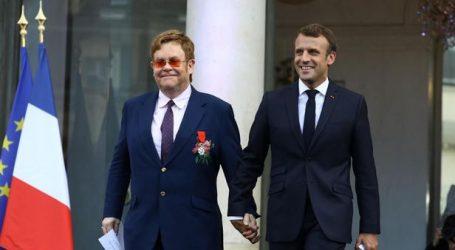 Μακρόν και 'Ελτον Τζον κινητοποιούνται κατά του AIDS