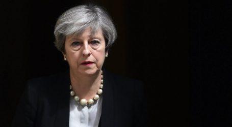 Brexit | Μέι: Θα ήταν καταστροφική η καταψήφιση της συμφωνίας