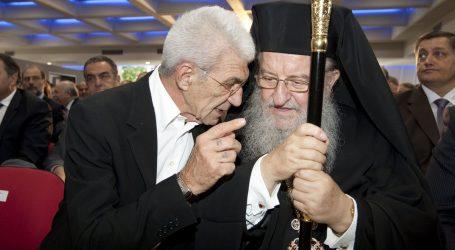 -Εσύ θα νηστέψεις; Θες να πω στον Ζάεφ να μας στείλει γνήσιο μακεδονικό χαλβά;