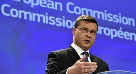 Ντομπρόβσκις: Καταβάλλεται προσπάθεια για την επίτευξη συνολικής συμφωνίας στο Eurogroup της Πέμπτης