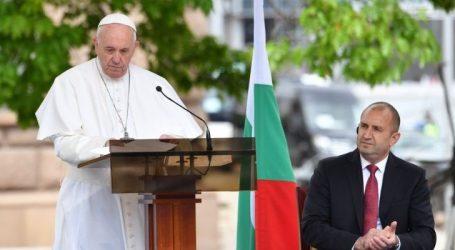 Πάπας Φραγκίσκος από τη Βουλγαρία: Ανοίξτε τα σπίτια σας στους μετανάστες