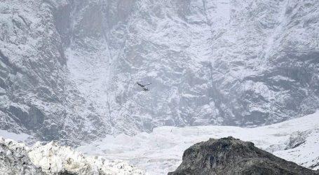 Ιταλία: Απειλείται με κατάρρευση παγετώνας του Λευκού Όρους